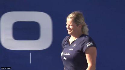 Daar is Kim! Clijsters boekt in het 'World Team Tennis'-toernooi haar eerste zege sinds de comeback