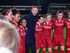 Voetbalsters Ajax winnen topper, maar FC Twente houdt zicht op koppositie
