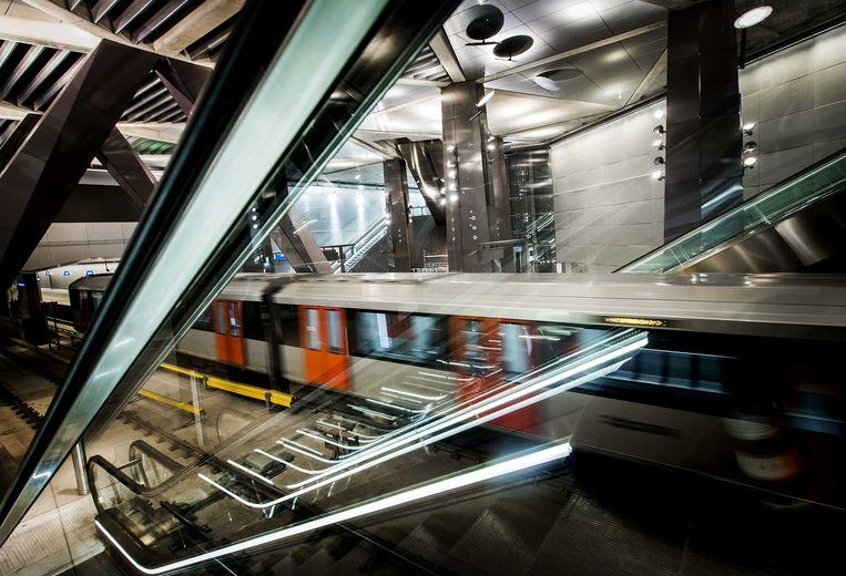 2018-01-15 12:43:52 AMSTERDAM - Het station Centraal Station van de Noord-Zuidlijn. De Amsterdamse metrolijn is na vijftien jaar afgerond. ANP KOEN VAN WEEL Beeld ANP