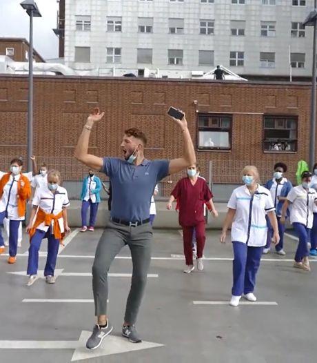 Flashmob à la clinique Ste-Anne/St-Rémi pour réclamer des bras supplémentaires