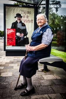 Deze 92-jarige Dordtse is in heel het land te zien als hét gezicht van de Biblebelt