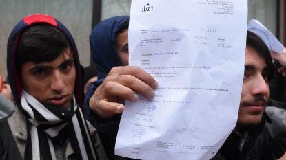 Bijdragen van vreemdelingen voor verblijfsaanvraag brachten verhoopte 10 miljoen euro op