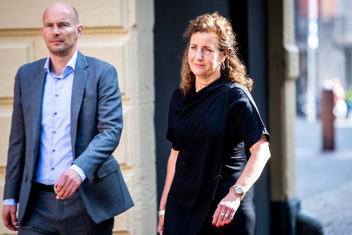 Minister Ingrid van Engelshoven (Onderwijs, Cultuur en Wetenschap) onderweg naar de Ministerraad.