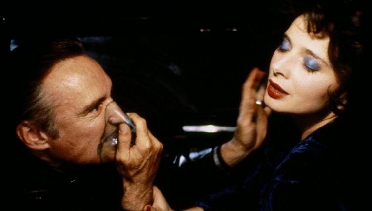 Dennis Hopper en Isabella Rossellini in Blue Velvet. Beeld null