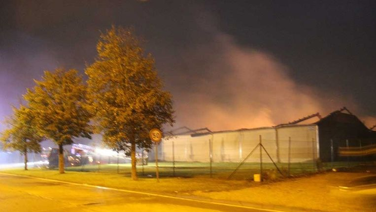 Vind Beste Keukenbedrijven : Keukenbedrijf in deinze volledig vernield na brand binnenland