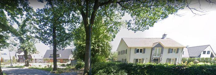 Op verschillende plekken in Cromvoirt en Vught zijn de afgelopen jaren landhuizen uit de grond gestampt.