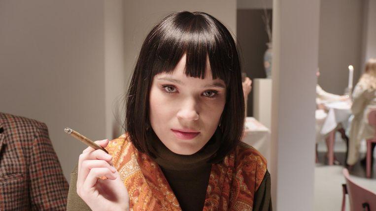 De depressieve psychiater Yolanda (Ellen Parren). Beeld Tom Bakker