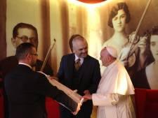 Paus veroordeelt geweld uit naam van God