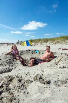 Strandje Baarland wordt weer opgespoten