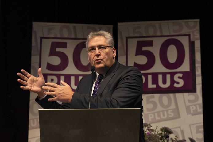 Henk Krol tijdens een eerdere toespraak op de algemene ledenvergadering van 50Plus