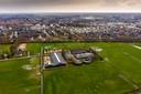 Het bewuste terrein van paardenbedrijf Stal Vermulst in Schijndel, waar woningbouw mogelijk is.
