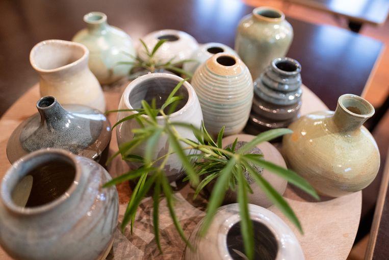 De keramisten van Bamboo organiseerden samen de actie 'Bloemenvaasjes voor Nora Tilley'
