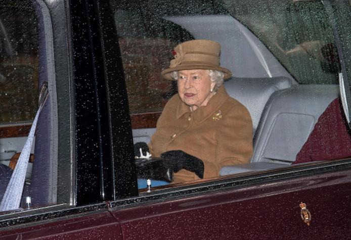 Koningin Elizabeth is vandaag traditiegetrouw naar de Maria Magdalenakerk gegaan op haar landgoed Sandringham bij Norfolk.