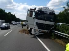 Rijkswaterstaat wil klapbanden bij truckers voorkomen met een meetdrempel