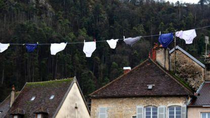 Mysterie: ondergoed overspoelt Frans dorpje