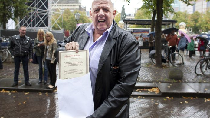 Marcel en Priscilla kregen steun van de bekende Hagenaar Henk Bres die de Tweede Kamer een petitie aanbood die opriep tot een verbod op pedofielenvereniging Martijn. Ongeveer 72.000 mensen, onder wie bekende Nederlanders, tekenden de petitie.