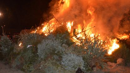 Fakkeltocht en kerstboomverbranding in Wortegem