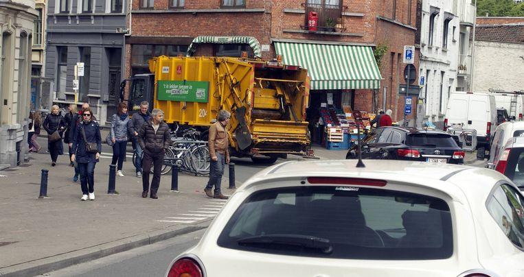 Op normale dagen rijden 70 vuilniswagens uit.