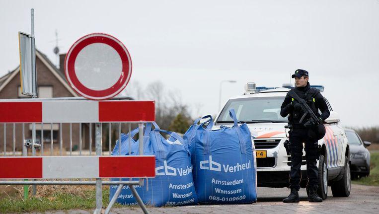 De omgeving van de Hamseweg in Hooge Zwaluwe is afgesloten. Beeld anp