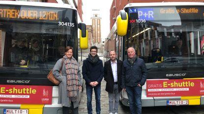 Zo geraak je vlot in Leuven tijdens de eindejaarsperiode: sinds dit weekend ook gratis elektrische shuttlebussen naar het centrum