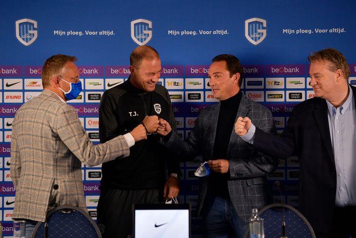 Vuistjes met voorzitter Peter Croonen, sportief directeur Dimitri De Condé en algemeen directeur Erik Gerits.