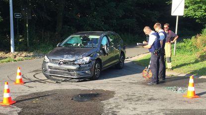 Twee gewonden bij botsing op kruispunt
