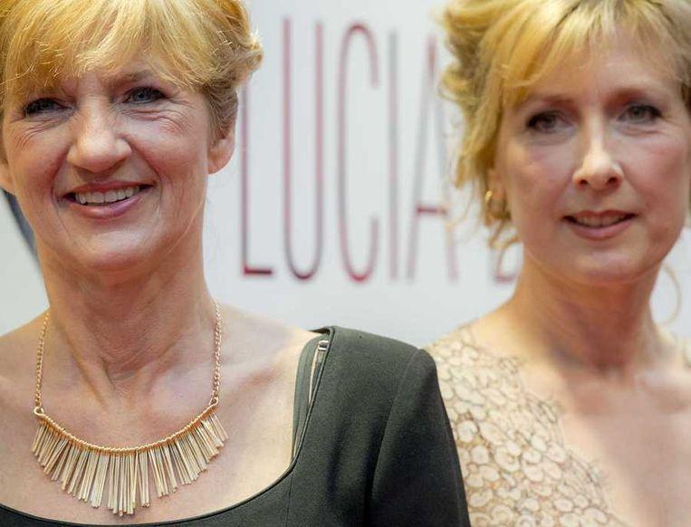 Lucia de Berk (links) en Ariane Schluter bij de première van Lucia de B. Beeld anp