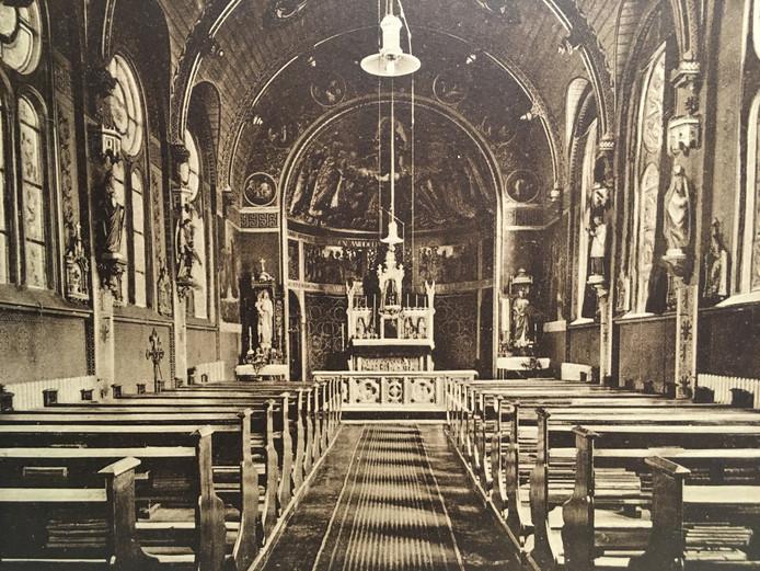 Het interieur van de kapel van de Fraters van Tilburg (1883) in Oss.