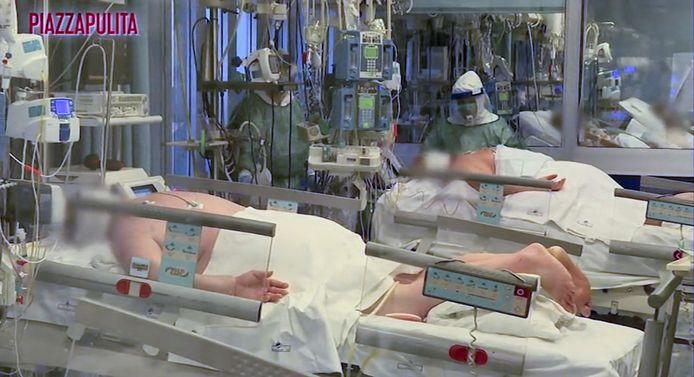 Les patients atteints du Covid-19 sont allongés sur le ventre, comme le veut la procédure.