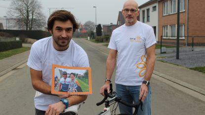 """Zoon vervangt overleden vader op '1.000 kilometer tegen kanker': """"Het laatste wat ik voor hem kan doen"""""""