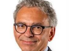 Gemeentesecretaris Knaapen van Overbetuwe blijft langer in dienst