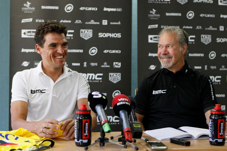 Van Avermaet en teammanager Jim Ochowicz in de Tour van 2018.