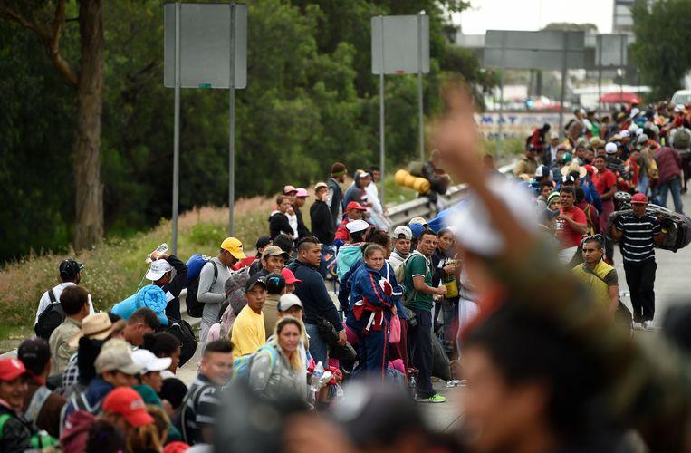 De karavaan vertrok midden oktober in Honduras, waar mensen de armoede en het geweld ontvluchtten.