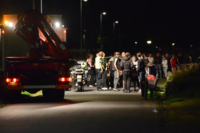 Na de steekpartij kwamen veel mensen naar het park. Ook rukten hulpdiensten massaal uit.