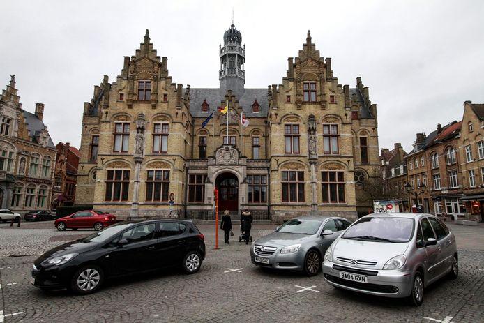 Een man uit Poperinge moet zich verantwoorden voor poging doodslag op zijn voormalig partner.