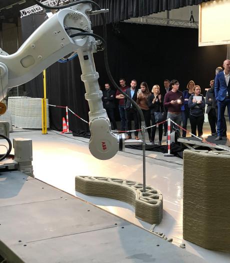 Fabriek met betonprinter in Eindhoven bouwt bruggen en huizen