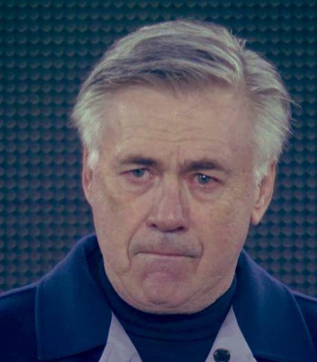 Ancelotti au bord des larmes lors de l'hommage à Maradona