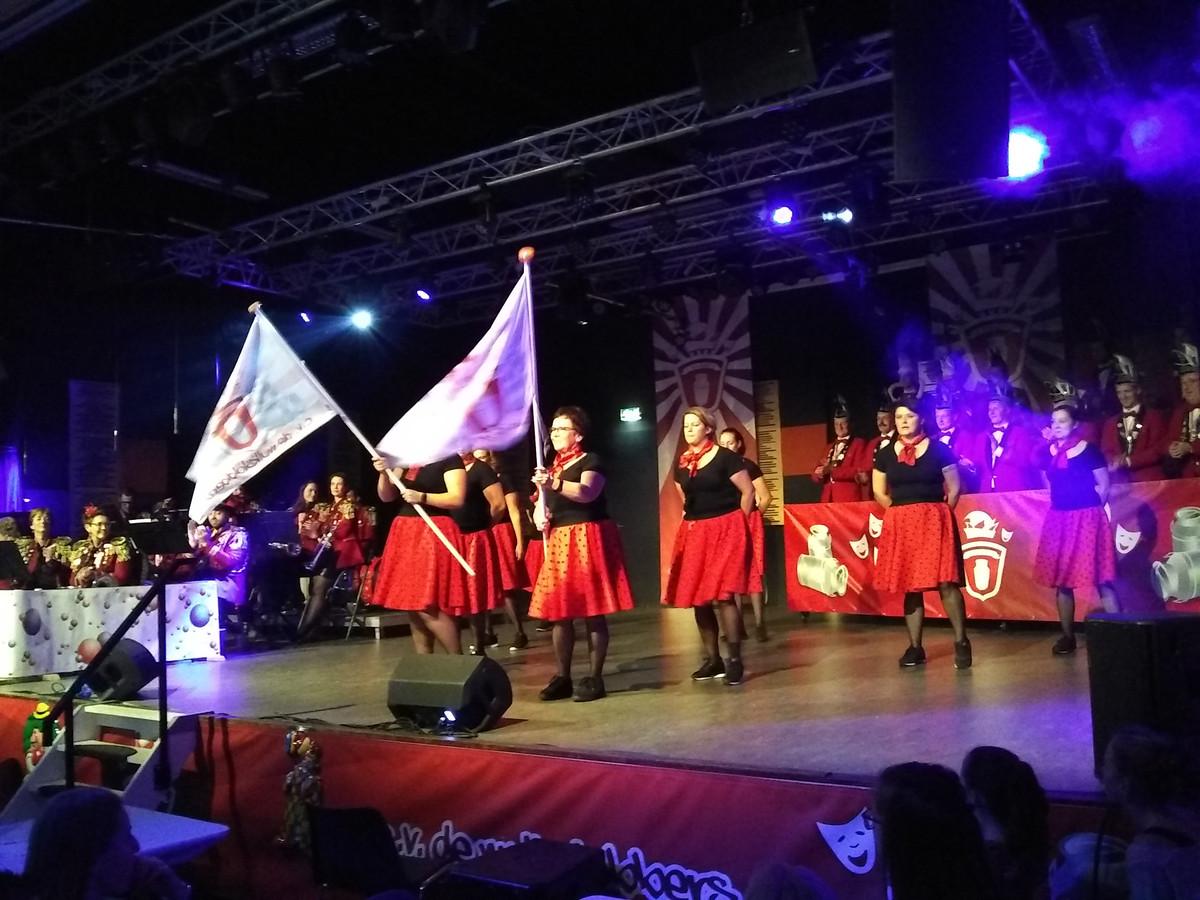 De Dames van de Raad van Elf op het podium in Borkel en Schaft.