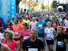'Haas van topatleten bij marathon Eindhoven lag 1,5 uur geblesseerd langs parcours'
