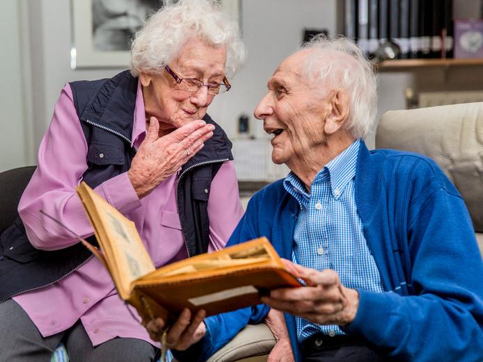 75 jaar getrouwd Gemist? Machiel (104) is 75 jaar getrouwd met zijn Helena en dit  75 jaar getrouwd
