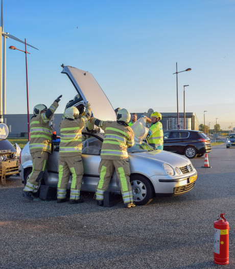 Brandweer naar kop-staartbotsing in Nieuwegein, een persoon gewond
