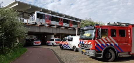 Dader 'metromoord' te vroeg op eigen benen