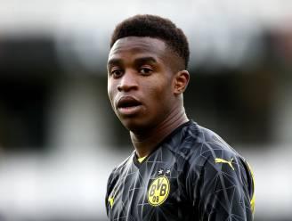 Dortmund wil vijftienjarig talent op spelerslijst voor Champions League zetten