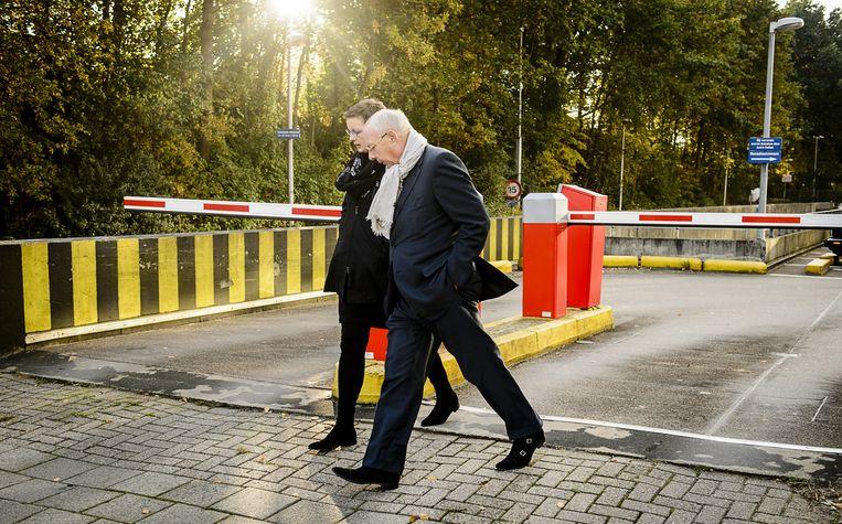 Hubert Mollenkamp verlaat samen met zijn advocaat, Petra van Kampen, de rechtbank van Amsterdam Beeld anp