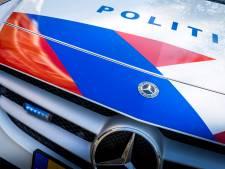 Politie achtervolgt man via balkons en dak flatgebouw Zuidoost