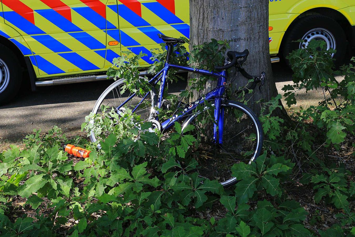 Wielrenner en fietsster botsen op elkaar in De Rips