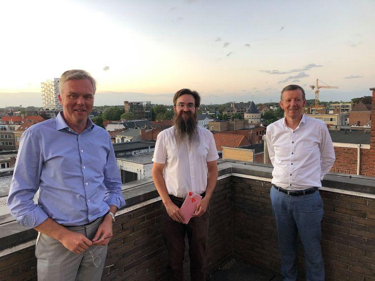 vlnr Piet Lombaerts, Jorgen Deman (ex-voorzitter), Peter Sustronck (ondervoorzitter)