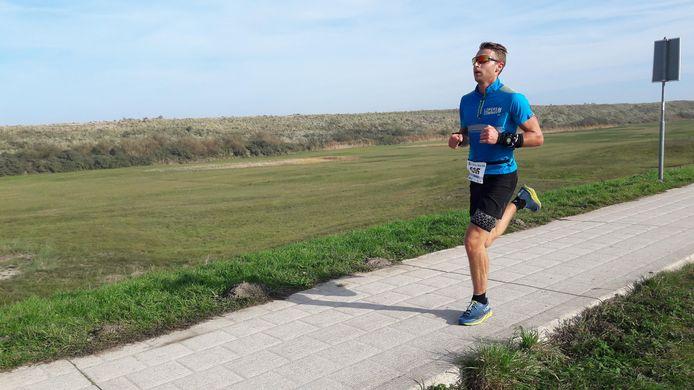 Erwin Adan was opnieuw de sterkste bij de halve marathon van Renesse, zijn vierde overwinning op rij.