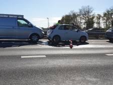 Aanrijding met drie voertuigen in Hengelo