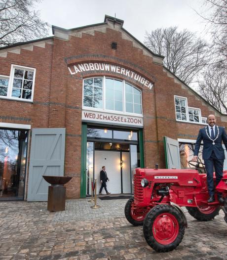 Oude loods van de firma Massee uit Goes is nu een feestlocatie in het Openluchtmuseum